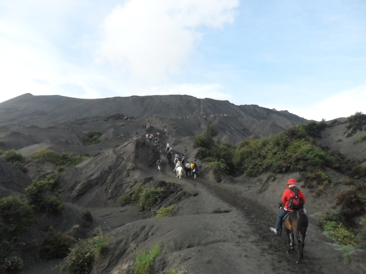 6 Path to climb Mt. Bromo