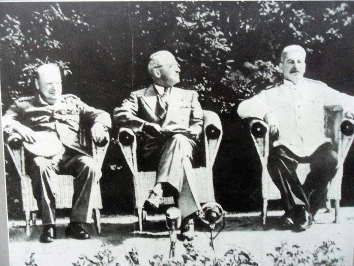 Churchil, Truman and Stalin