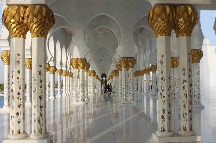 Grand mosque in Abu Dhabi5