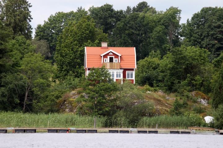 Residences along Lake Ekoln, Uppsala