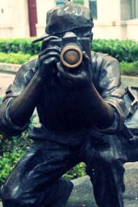 Shamian Island Bronze statue 3