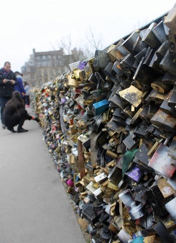 Lock bridge in Paris
