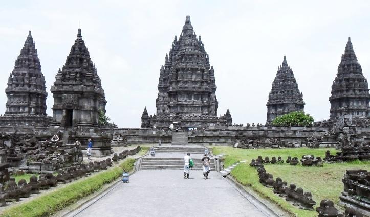 Entrance to Prambanan